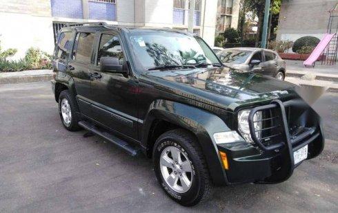 Vendo un carro Jeep Liberty 2010 excelente, llámama para verlo