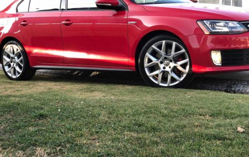 Quiero vender urgentemente mi auto Volkswagen Jetta 2014 muy bien estado