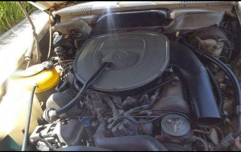 Se vende un Mercedes-Benz Clase SL 1979 por cuestiones económicas