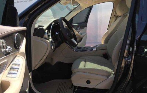 Quiero vender inmediatamente mi auto Mercedes-Benz Clase GLC 2020 muy bien cuidado