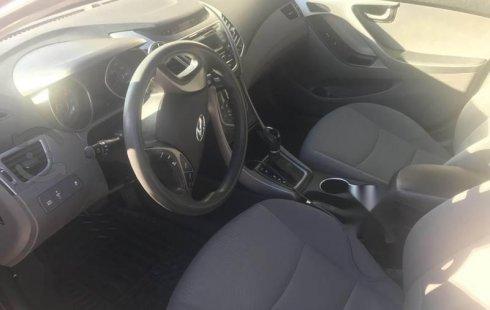 Auto usado Hyundai Elantra 2015 a un precio increíblemente barato
