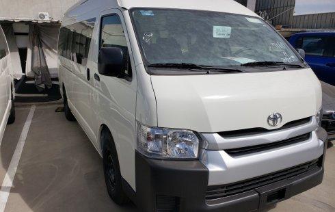 Carro Toyota Hiace 2020 en buen estadode único propietario en excelente estado