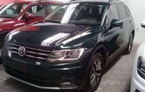 Pongo a la venta cuanto antes posible un Volkswagen Tiguan en excelente condicción