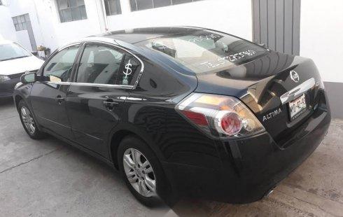Pongo a la venta cuanto antes posible un Nissan Altima que tiene todos los documentos necesarios