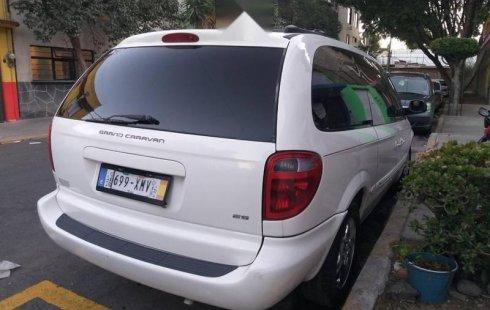 Carro Dodge Grand Caravan 2001 en buen estadode único propietario en excelente estado