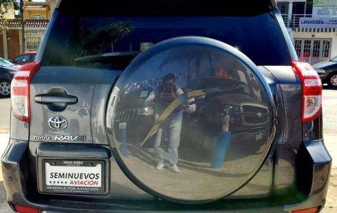 Quiero vender inmediatamente mi auto Toyota RAV4 2010 muy bien cuidado