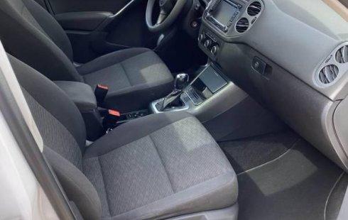 Un carro Volkswagen Tiguan 2012 en Tlalnepantla de Baz