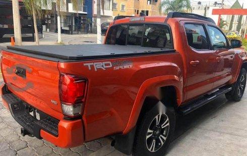 En venta un Toyota Tacoma 2016 Automático muy bien cuidado