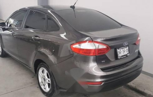 Vendo un carro Ford Fiesta 2017 excelente, llámama para verlo