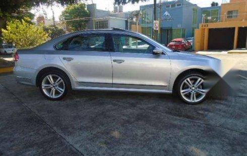 En venta un Volkswagen Passat 2012 Automático muy bien cuidado