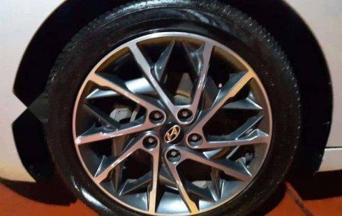 Se pone en venta un Hyundai Elantra