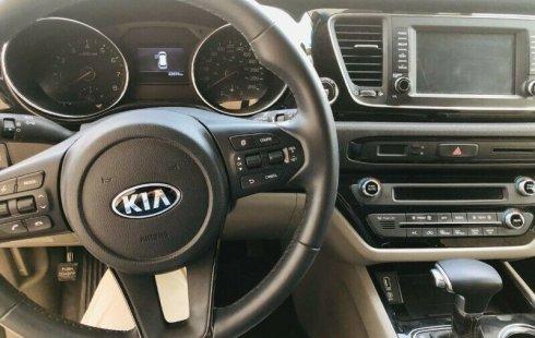 Quiero vender inmediatamente mi auto Kia Sedona 2019 muy bien cuidado