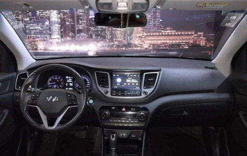 Pongo a la venta cuanto antes posible un Hyundai Tucson en excelente condicción