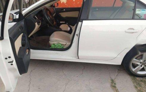 Quiero vender urgentemente mi auto Volkswagen Jetta 2011 muy bien estado