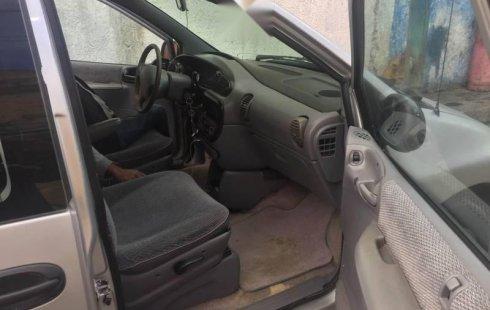 Pongo a la venta cuanto antes posible un Dodge Van en excelente condicción a un precio increíblemente barato