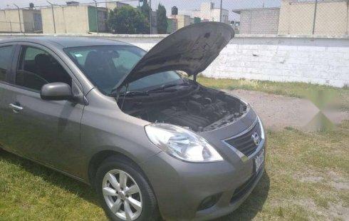 Quiero vender urgentemente mi auto Nissan Versa 2013 muy bien estado
