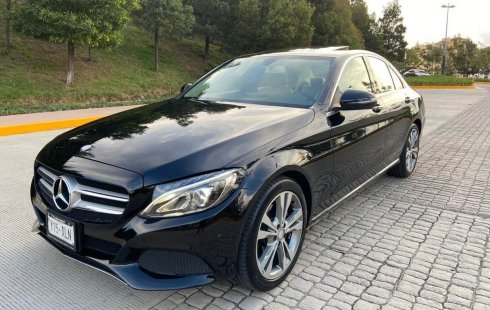 En venta un Mercedes-Benz Clase C 2017 Automático en excelente condición