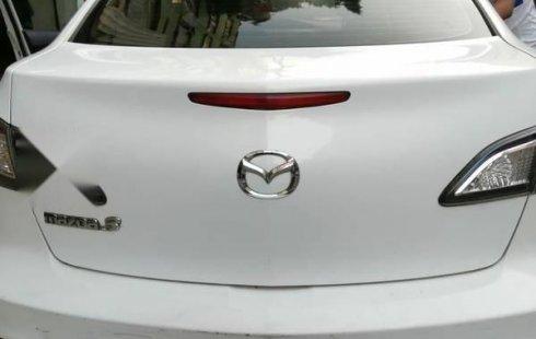 Quiero vender inmediatamente mi auto Mazda 3 2012 muy bien cuidado