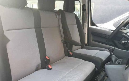 Urge!! Un excelente Peugeot Expert 2018 Manual vendido a un precio increíblemente barato en Coyoacán