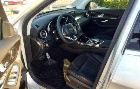En venta un Mercedes-Benz Clase GLC 2019 Automático en excelente condición