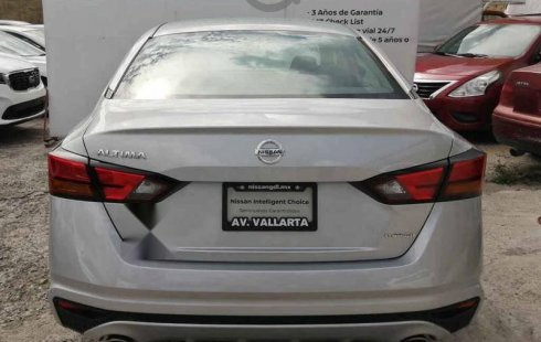 Nissan Altima impecable en Zapopan