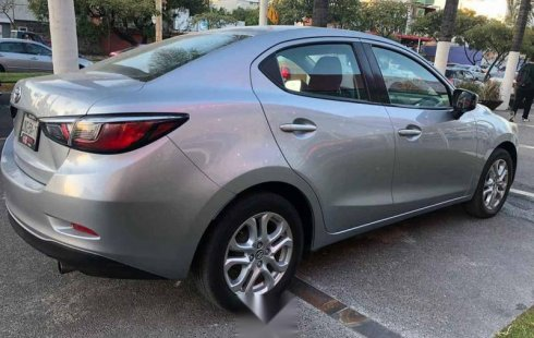 Quiero vender cuanto antes posible un Toyota Yaris 2017