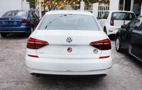 Pongo a la venta cuanto antes posible un Volkswagen Passat en excelente condicción a un precio increíblemente barato
