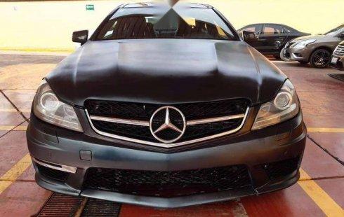 En venta carro Mercedes-Benz Clase C 2013 en excelente estado