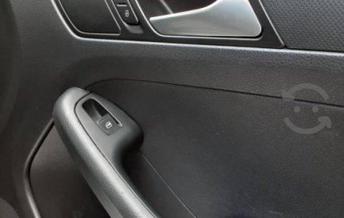 Se vende un Volkswagen Jetta 2014 por cuestiones económicas