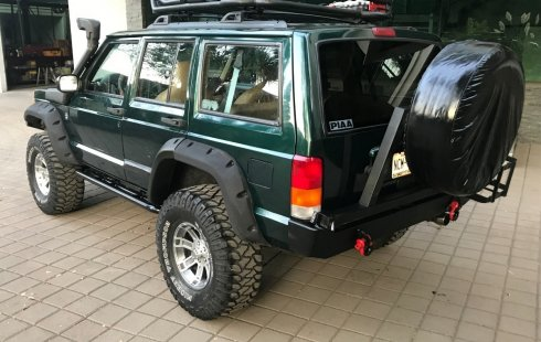 Vendo un Jeep Cherokee impecable