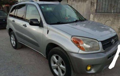 Un excelente Toyota RAV4 2005 está en la venta