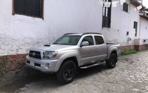 Vendo un Toyota Tacoma impecable