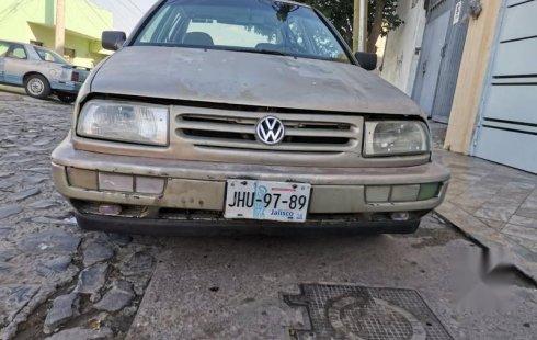 Tengo que vender mi querido Volkswagen Jetta 1995