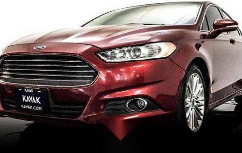 Un carro Ford Fusion 2014 en Lerma