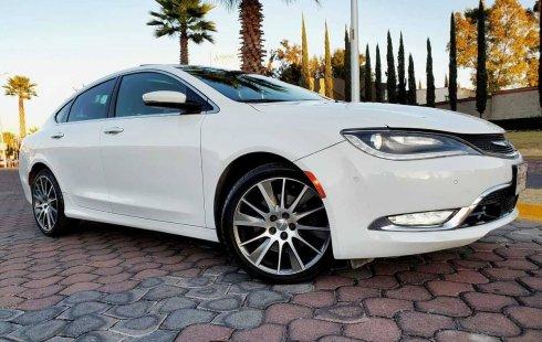 Tengo que vender mi querido Chrysler 200 2015
