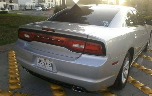 Quiero vender urgentemente mi auto Dodge Charger 2012 muy bien estado