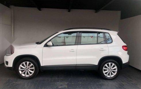 Un carro Volkswagen Tiguan 2016 en Zapopan