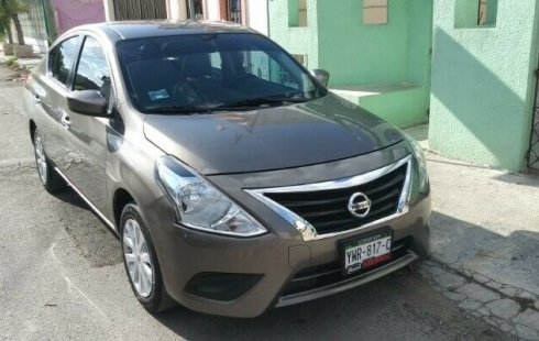 Nissan Versa 2018 impecable