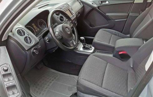 Quiero vender inmediatamente mi auto Volkswagen Tiguan 2015 muy bien cuidado