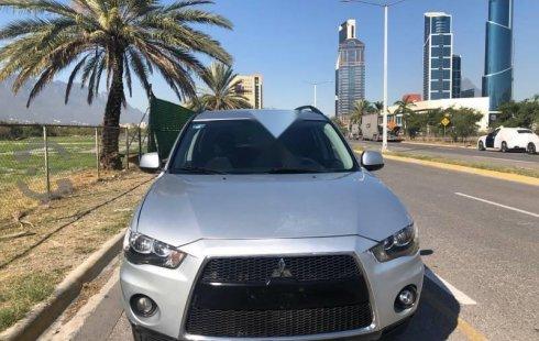 Urge!! Un excelente Mitsubishi Outlander 2011 Automático vendido a un precio increíblemente barato en San Pedro Garza García