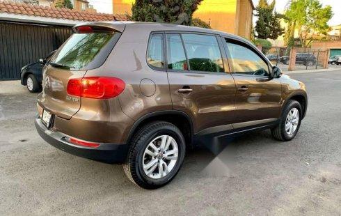 Quiero vender urgentemente mi auto Volkswagen Tiguan 2012 muy bien estado