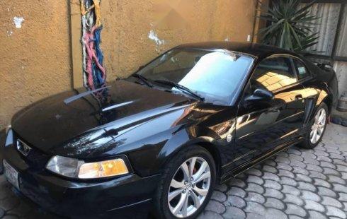 En venta un Ford Mustang 2004 Automático en excelente condición