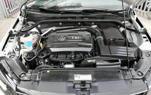 En venta un Volkswagen Jetta 2017 Automático en excelente condición