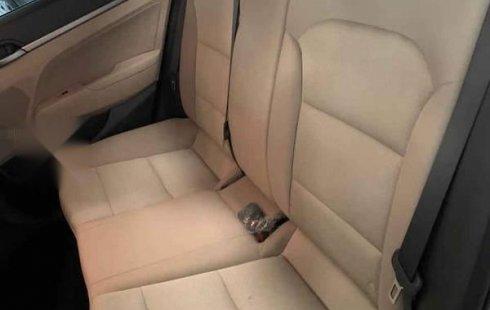Precio de Hyundai Elantra 2018