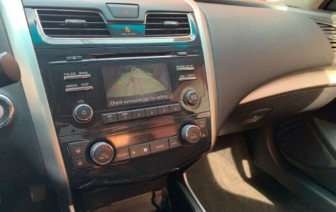 Nissan Altima 2015 impecable