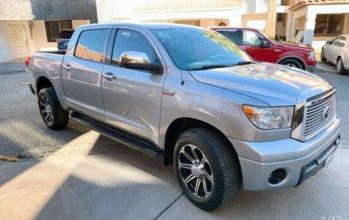 Coche impecable Toyota Tundra con precio asequible