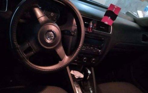 Se vende urgemente Volkswagen Jetta 2012 Automático en Gustavo A. Madero