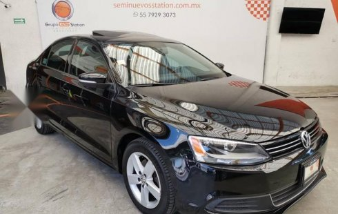 Volkswagen Jetta impecable en Iztacalco