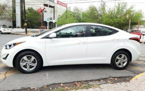 Se vende urgemente Hyundai Elantra 2015 Manual en Nuevo León