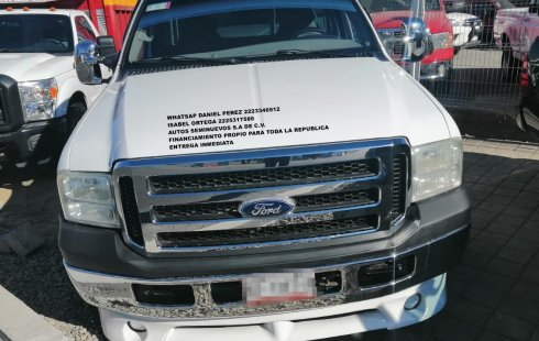 Impecable Ford 350 2005 Puebla